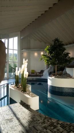 kago Referenzen Therme Hotel und Resort Wutzschleife Gräser und Pflanzen